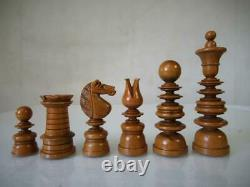 ANTIQUE CHESS SET CALVERT PATTERN K 95 mm AND NICE ANTIQUE LINED MAHOGANY BOX