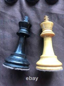 Antique boxwood chess set c1880/90, boxed