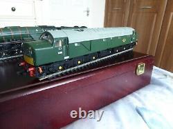 Bachmann 00 Gauge Anniversary Set A1 Sir Walter Scott & Class 40 In Wooden Box