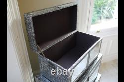 Embossed set of 3 mirrored storage trunks, embossed mirrored boxes