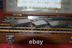 Mititoyo metric slip gauge set in wooden box