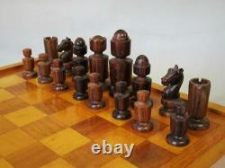VINTAGE ITALIAN CHESS SET LARGE MODERN DESIGN K 105 mm AND CHESS BOARD NO BOX