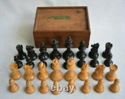 Vintage Wooden Chess Set Felt Bases Staunton Pattern Complete with Wooden Box